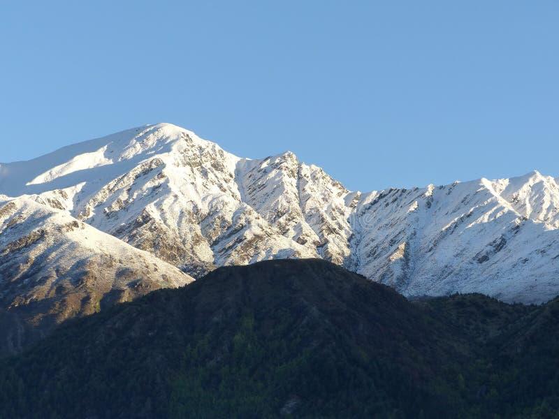 Śnieg na brew szczycie, Arrowtown, Nowa Zelandia fotografia stock
