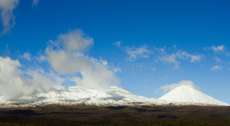 Śnieg nakrywająca góra fotografia royalty free