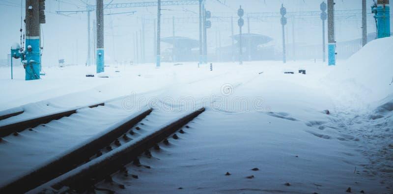 Śnieg przy stacją kolejową obraz stock