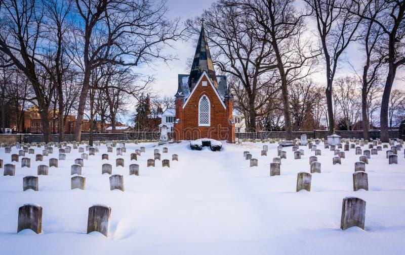 Śnieg zakrywał cmentarz przy Krajową świątynią święty Elizabeth obraz royalty free