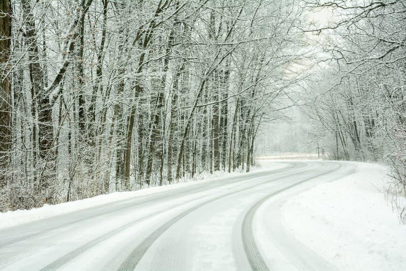 Śnieg Zakrywająca droga obrazy stock