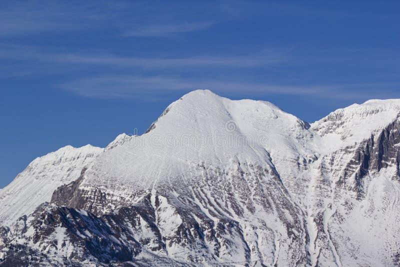 Śnieg zakrywający halny Krn zdjęcie royalty free