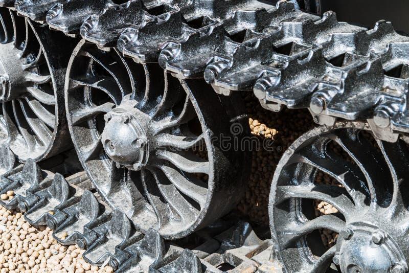 Śpioszek tropi hydraulika na ekskawatorze lub ciągniku obraz stock