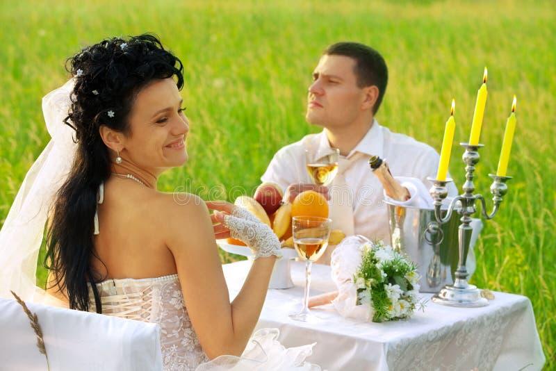 śródpolny gość restauracji ślub obrazy stock