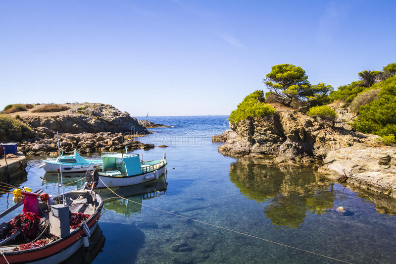 Śródziemnomorski brzeg fotografia royalty free