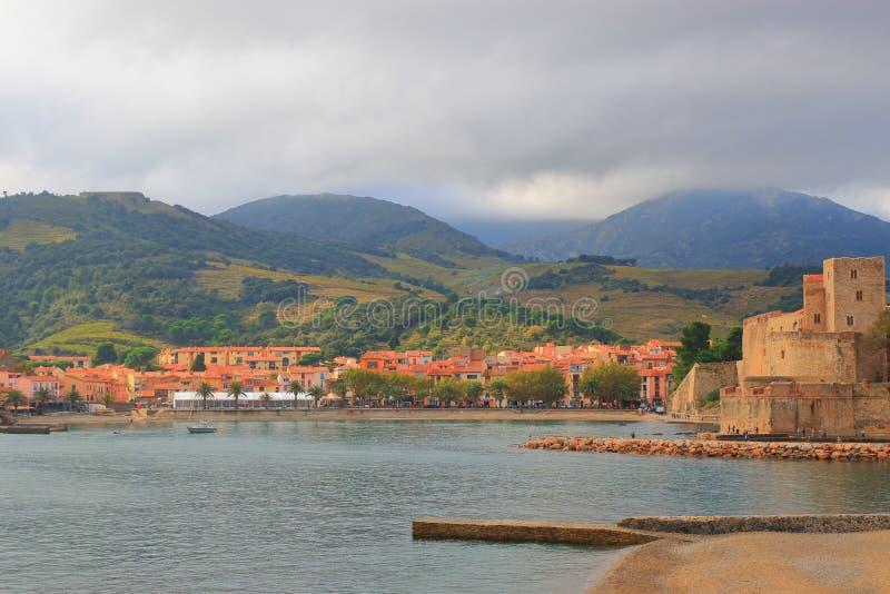 Śródziemnomorski miasto Collioure w wschodnim Pyrenean, Francja obraz royalty free
