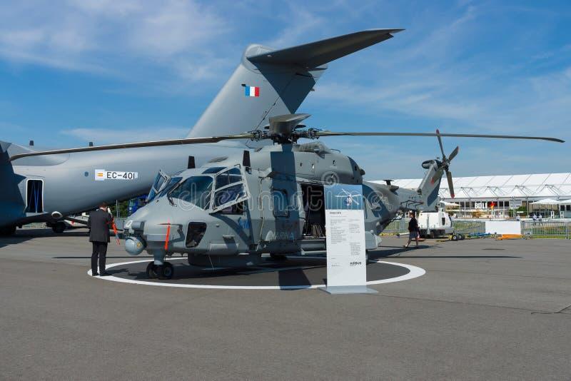 Średniej wielkości, dwusilnikowy, rola militarnego helikopteru - NH90 NFH zdjęcie royalty free