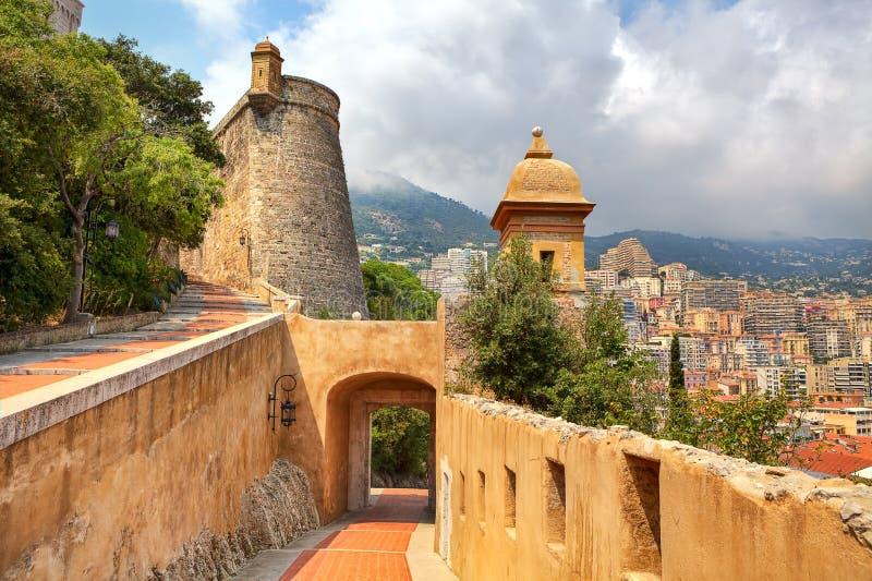Średniowieczna fortyfikacja i widok Monte, Carlo -. zdjęcie stock