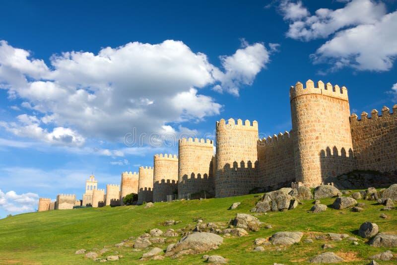 Średniowieczna miasto ściana budująca w romańszczyzna stylu, Avila, Hiszpania zdjęcie stock