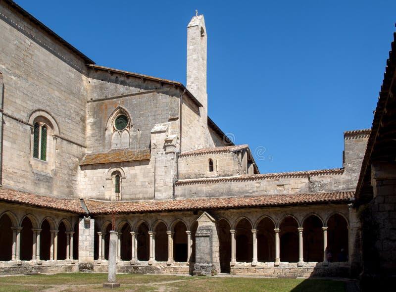 Średniowieczni Francuscy Cloisters przy Collegiale kościół Saint Emilion, fotografia stock