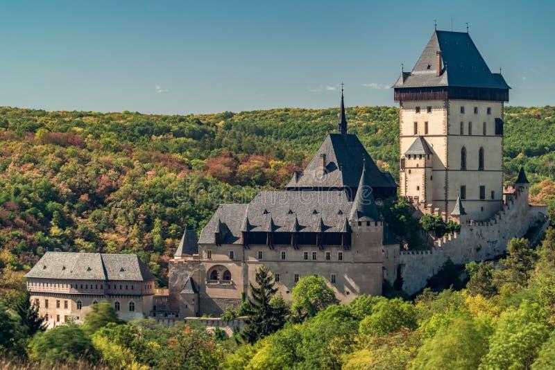 Średniowieczny antyczny kasztel Karlstejn, republika czech obrazy royalty free