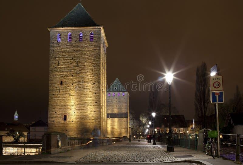 Średniowieczny bridżowy Ponts Couverts w Strasburg, Francja zdjęcia stock