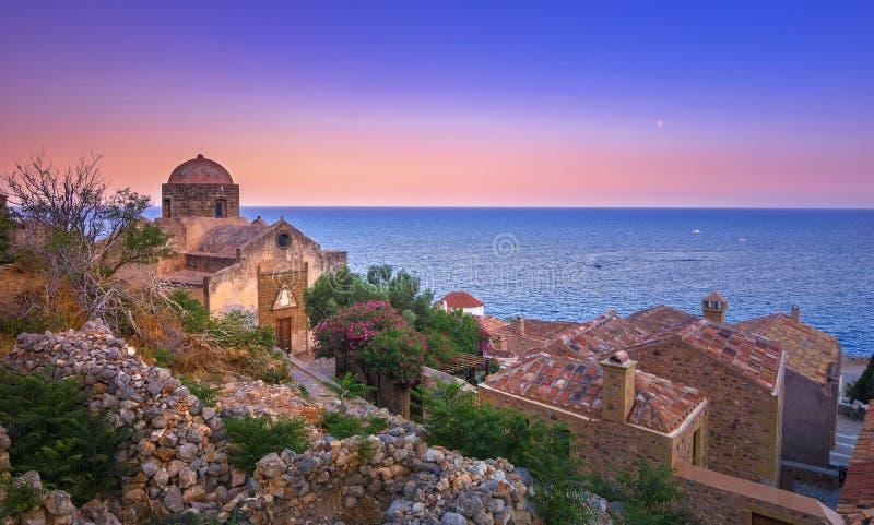 Średniowieczny ` castletown ` Monemvasia, często nazwany ` Grecki Gibraltar `, Lakonia, Peloponnese zdjęcia royalty free