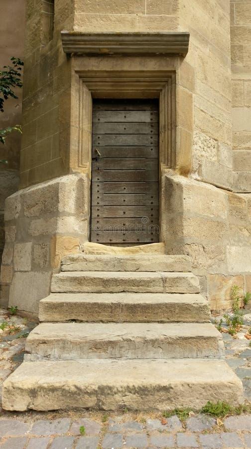 Średniowieczny drzwi w Sibiu, Rumunia obraz stock