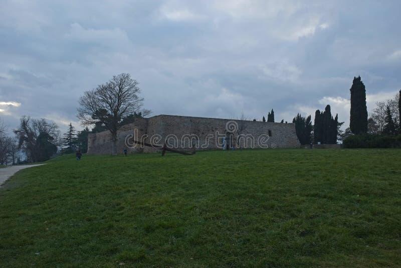 Średniowieczny forteca blisko Urbino, Włochy zdjęcie stock