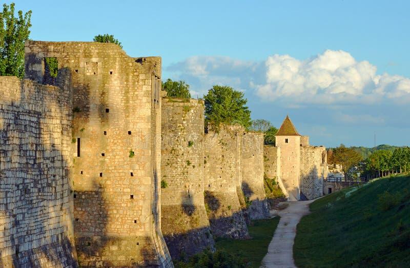 Średniowieczny góruje i ramparts obrazy royalty free
