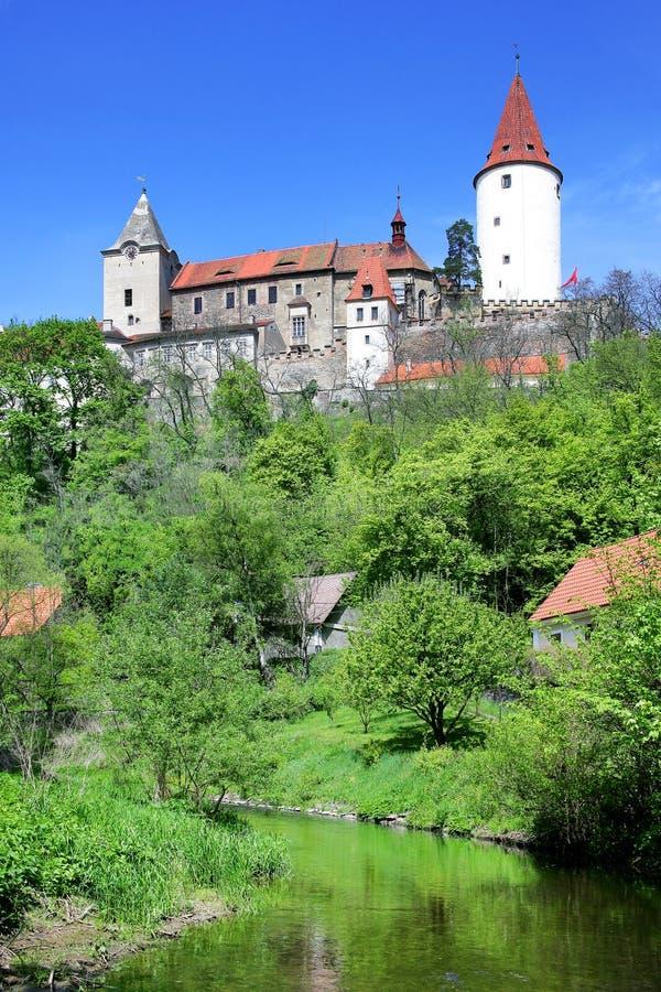 Średniowieczny gothic królewski kasztel z ramparts Krivoklat blisko Rakovn zdjęcia royalty free