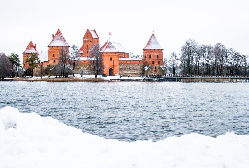 Średniowieczny kasztel Trakai, Vilnius, Lithuania, Europa Wschodnia, w zimie obrazy stock