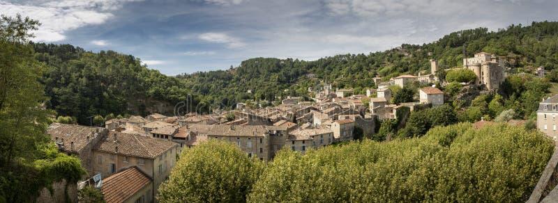 Średniowieczny miasteczko Largentiere, Francja, panorama strzał obrazy stock