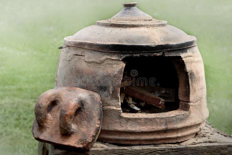 Średniowieczny piekarnik dla wypiekowego chleba obrazy stock