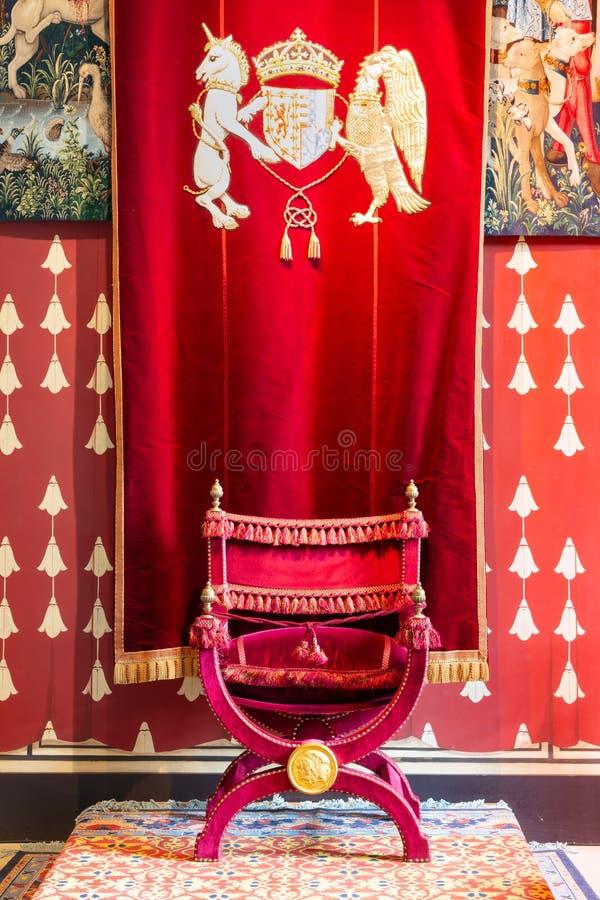 Średniowieczny pokój Stirling kasztel z dekorować ścianami i tronem zdjęcia stock