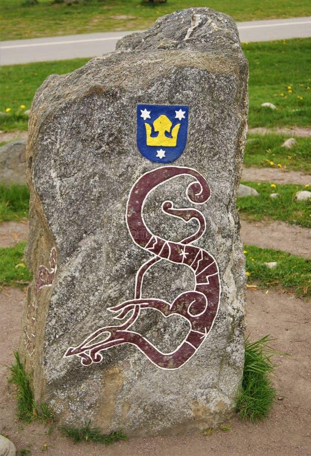 Średniowieczny Szwedzki rune kamień, pomnika kamień w Sigtuna fotografia stock