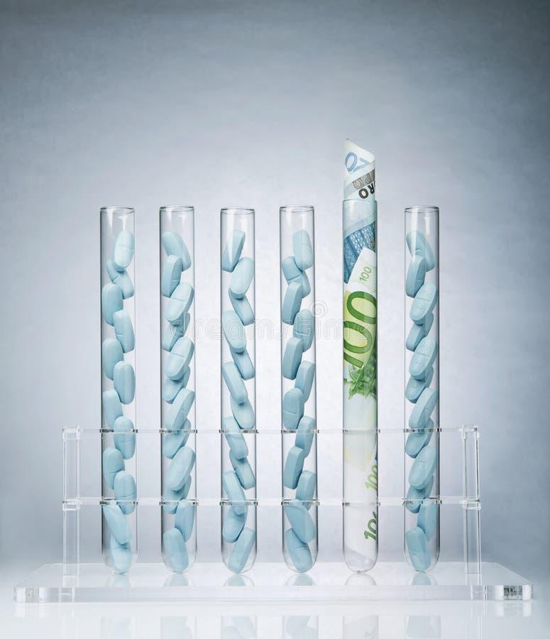 Środka farmaceutycznego badania koszty zdjęcia stock