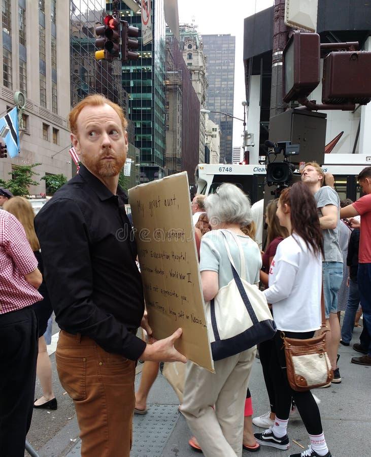 Środki przy wiecem Przeciw Donald Atutowej i Białej supremaci, NYC, NY, usa obraz royalty free