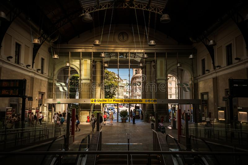 Środkowy dworzec w genuy Stazione di Genova na piazza Principe Włochy, Europa zdjęcie royalty free