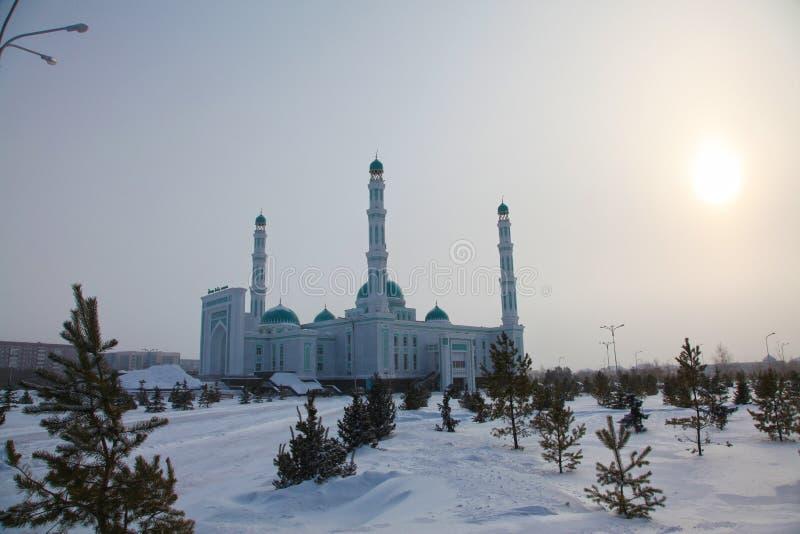 Środkowy katedralny meczet Karaganda, Kazachstan fotografia stock