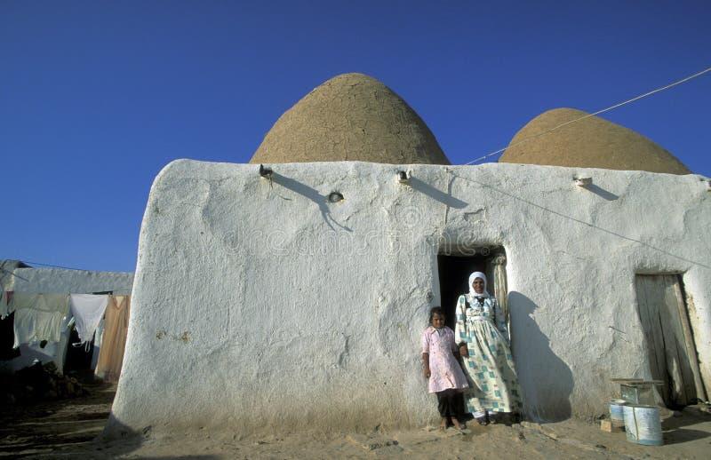 ŚRODKOWY WSCHÓD SYRIA HAMA SAROUJ dom obrazy royalty free