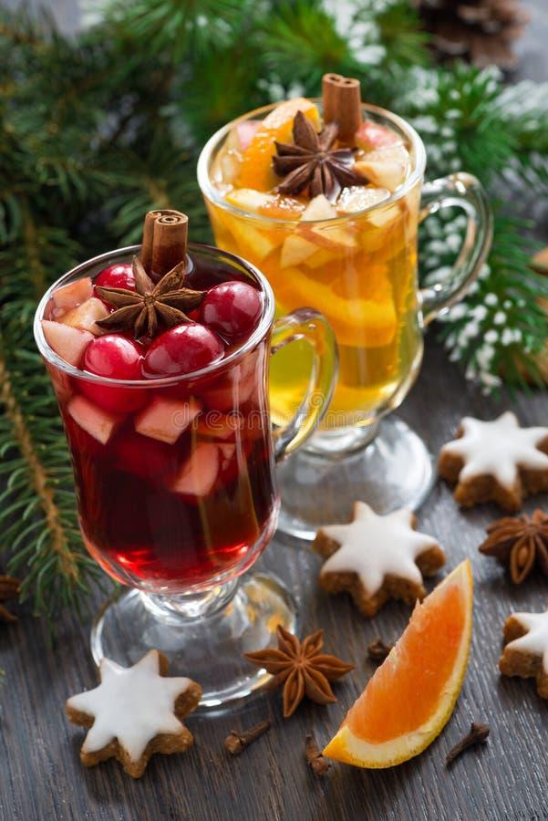 Świąteczni boże narodzenie napoje, ciastka pionowo i, obrazy stock