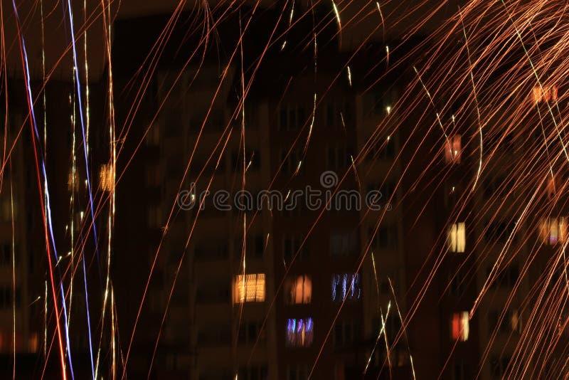 Świąteczni fajerwerki w nocy fotografia stock