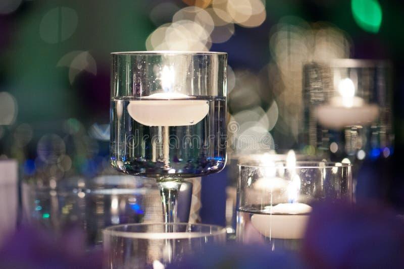 Świąteczny szklany wystrój w restauraci zdjęcia royalty free