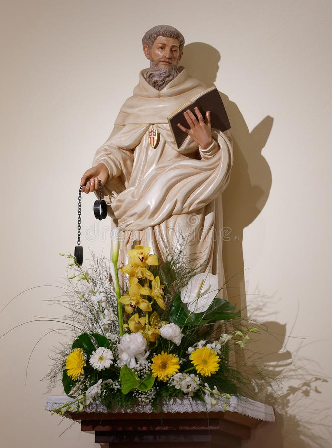 Świątobliwa Ferdinand religijna statua w kościół zdjęcie royalty free