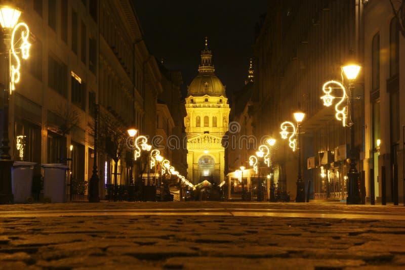 Świątobliwa Stephen bazylika w nocy iluminacji, Budapest fotografia royalty free