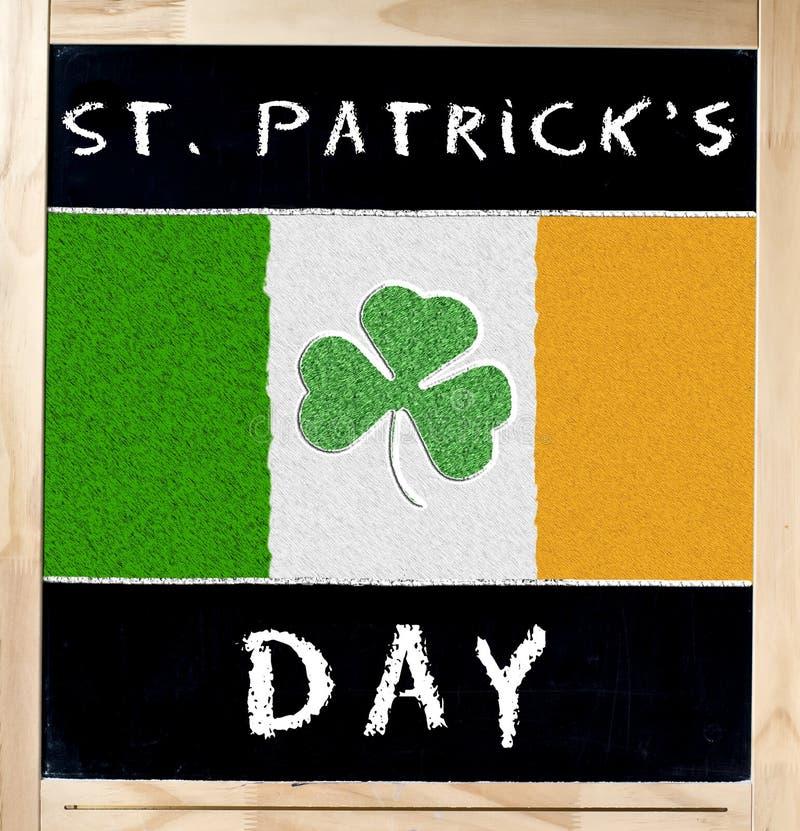 Świątobliwego Patrick s irlandczyk i dzień Zaznaczamy na Blackboard obrazy stock