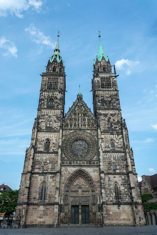 Świątobliwy Lorenz kościół w starym miasteczku Nuremberg, Niemcy obrazy stock