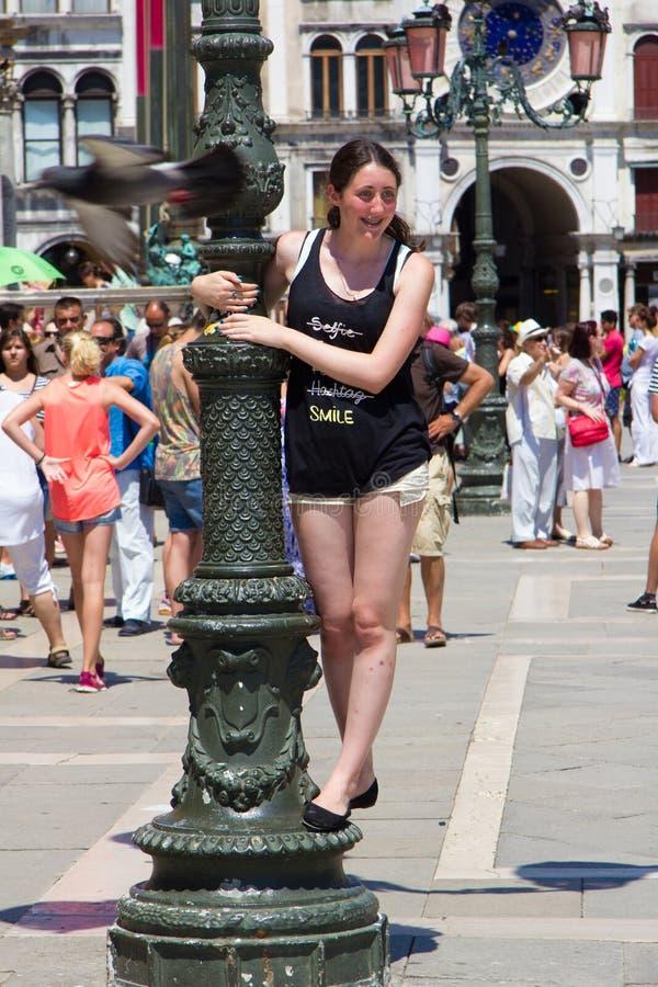 Świątobliwy Mark ` s kwadrat w Wenecja jest wielkim miejscem wręczać out fotografia royalty free
