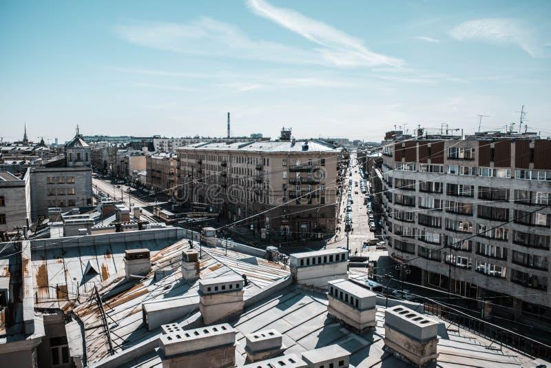 Świątobliwy Petersburg, Rosja, Maj 2019 Ligovsky perspektywa jest odgórnym widokiem Dachy miasto od wzrosta obraz royalty free