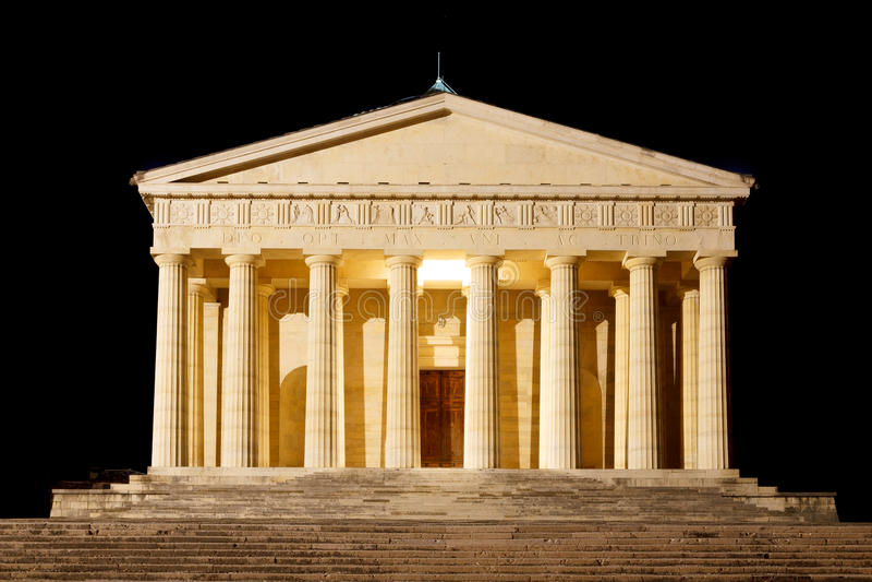 Świątynia Canova nocy widok kolumny rzymskie obrazy royalty free