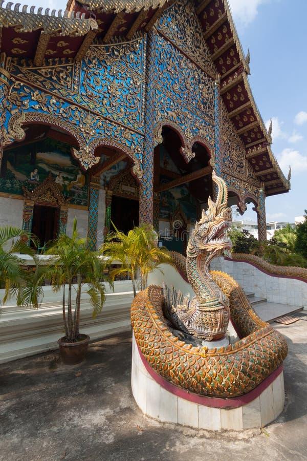ÅšwiÄ…tynia 'Co Chamdevi' jest piÄ™knÄ… Å›wiÄ…tyniÄ… w Lamphun, Tajlandia obrazy stock