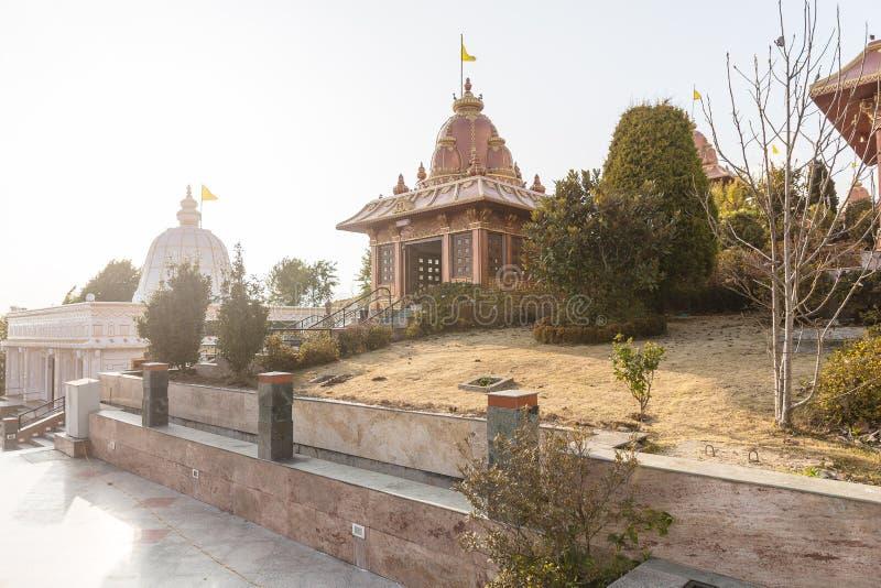 Świątynia z światłem słonecznym w terenie statua władyka Shiva przy Siddhesvara Dhaam w Namchi Sikkim, India obrazy royalty free