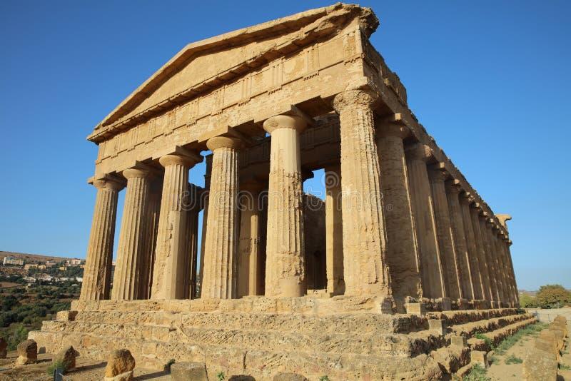 Świątynia zgoda przy doliną świątynie w Agrigento obraz stock