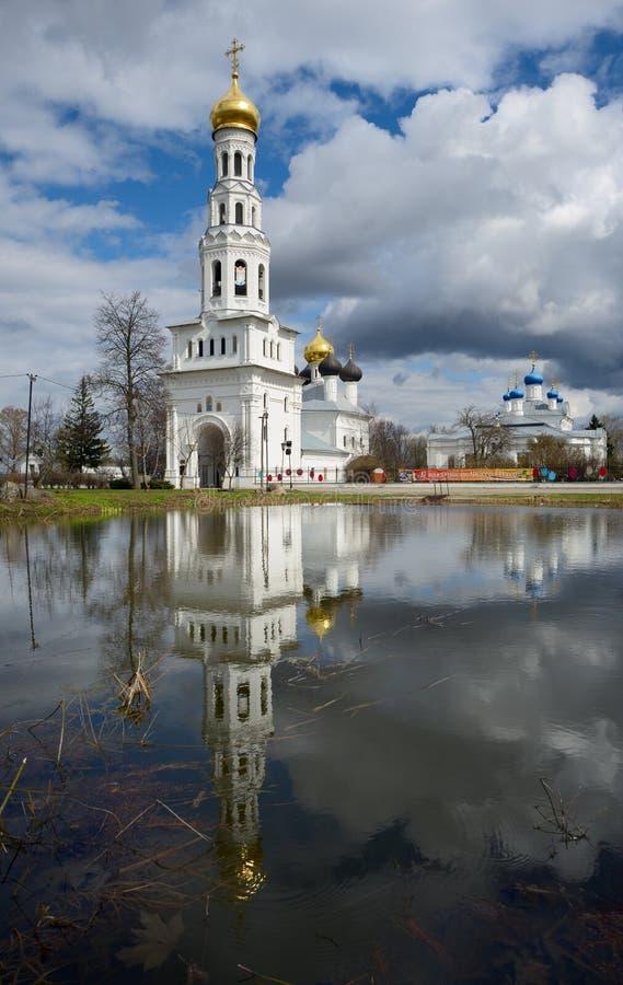 Świątynny kompleks w Zavidovo zdjęcia stock