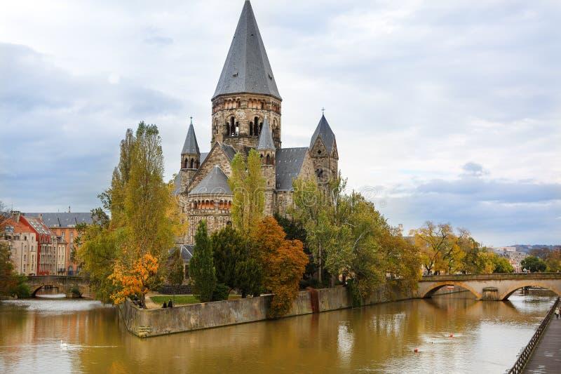 Świątynny Neuf de Metz na Moselle rzece - Lorraine, Francja. obraz royalty free
