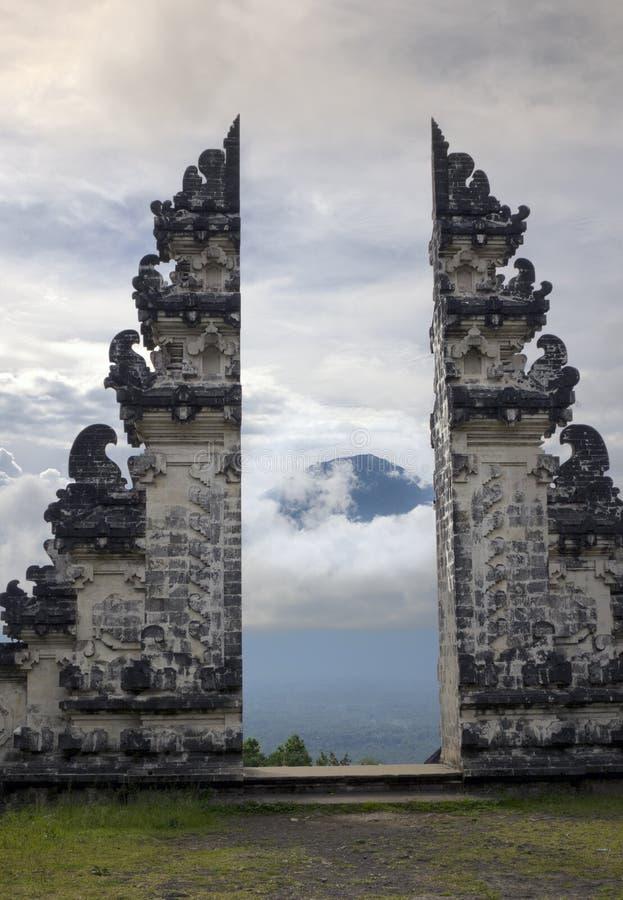 Świątynny Pura Lempuyang i widok wulkan Agung bali Indonezja zdjęcie stock