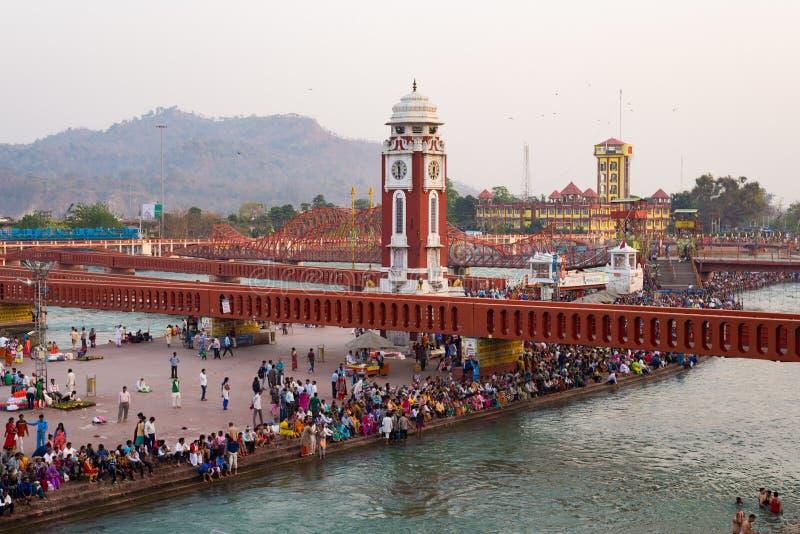 Święci ghats i świątynie przy Haridwar, India, święty miasteczko dla Hinduskiej religii Pielgrzymi ono modli się i kąpać się w Ga obrazy stock