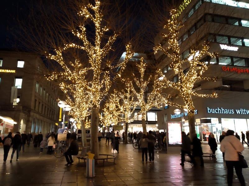Święta dekorują odznaczenie domowych świeżych pomysłów Stuttgart Bożenarodzeniowi rynki, Niemcy zdjęcie stock