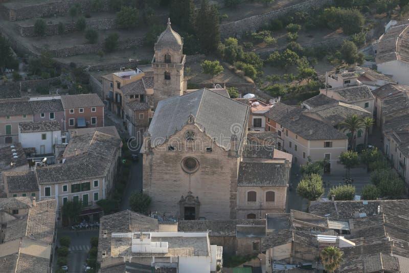 Świętego Matthew barroc kościelny widok z lotu ptaka w Bunyola obrazy stock